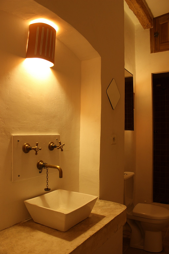 Salon shower room