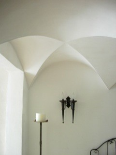 Vaulted ceiling - finished