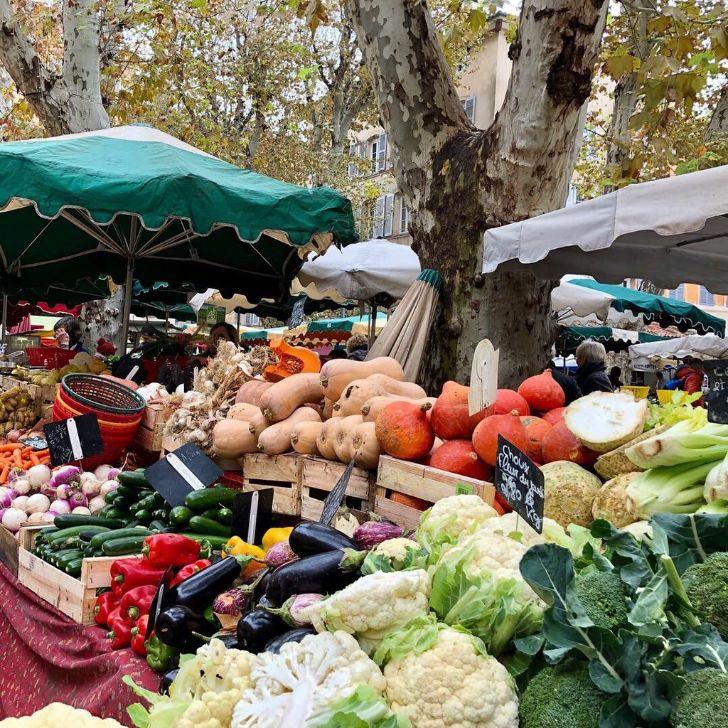Weekly vegetable shop