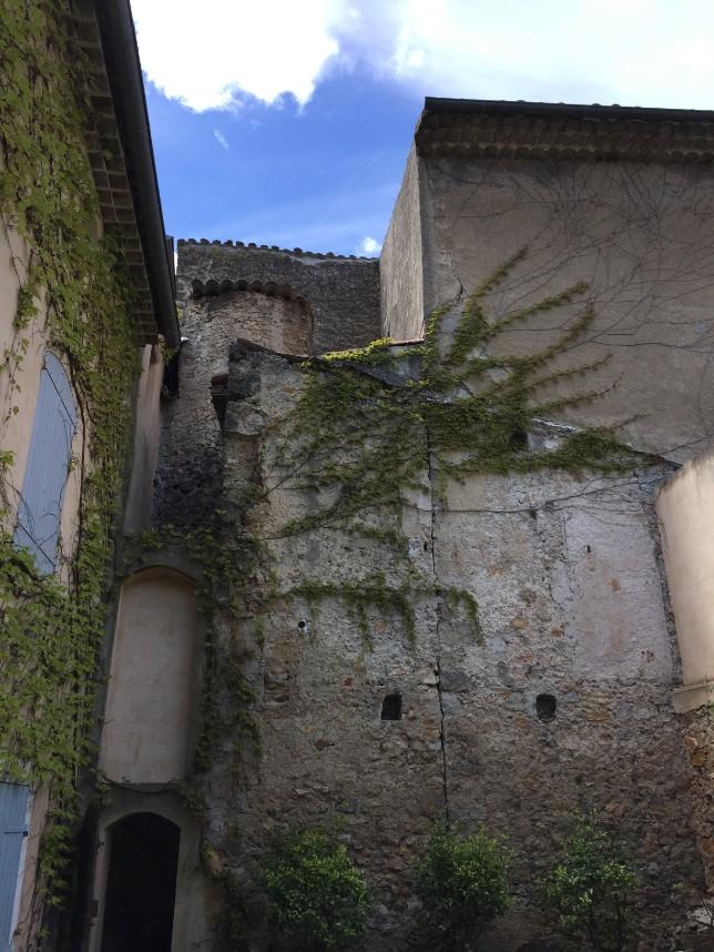 The house behind 'La Maison'