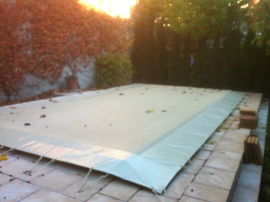 Pool winter cover