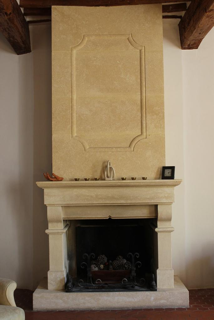 Salon chimney