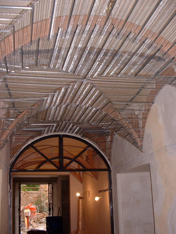 Vaulted ceiling - making the shape