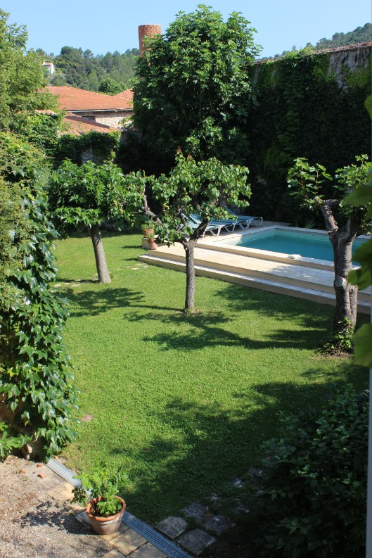 Garden & pool - after