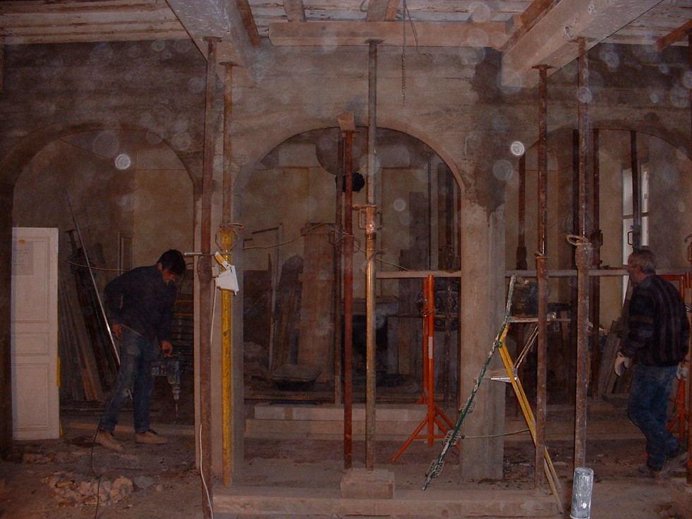 Making the arches in the salon