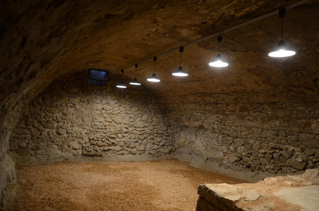 Basement - front room